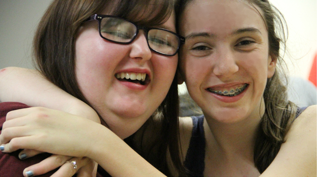 http://nfs.stvfiles.com/imagebase/170/623x349/170303-best-friends-teenagers-from-epilepsy-youth-group-give-each-other-the-support-they-need.jpg