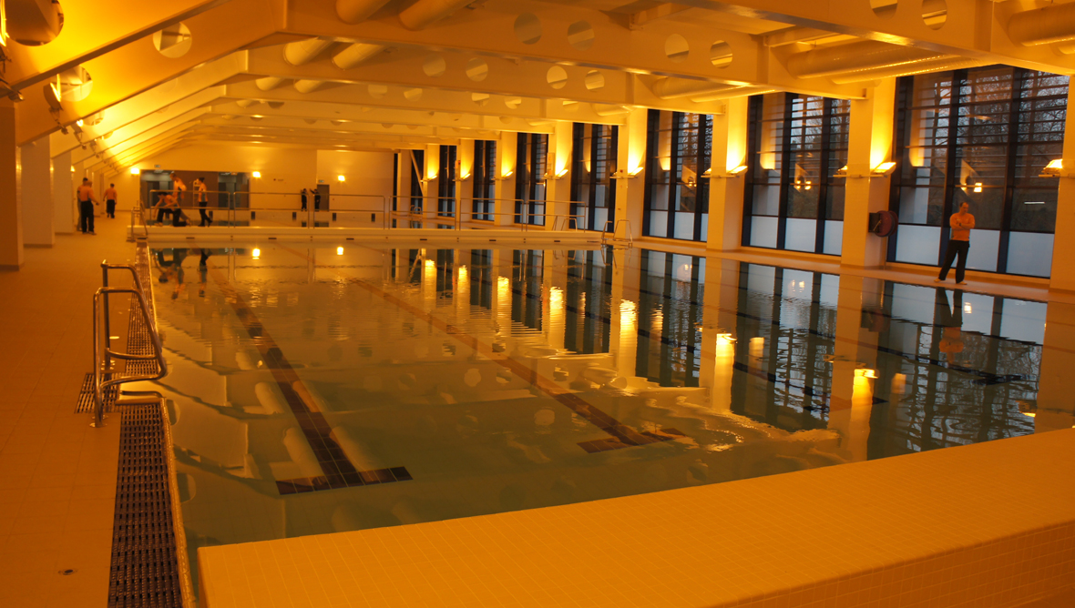 Tollcross international swimming centre is commonwealth - Glasgow city council swimming pools ...