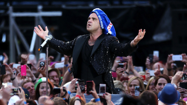 http://nfs.stvfiles.com/imagebase/190/623x349/190487-robbie-williams-live-at-hampden-during-2013s-take-the-crown-tour.jpg